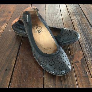 🌿Pikolinos Leather Ballet Flats